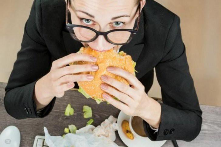 ¿Sabés cuál es el peor horario para almorzar si se quiere perder peso?