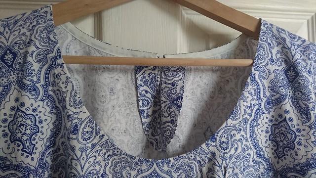 Sew DIY Lou Box Top keyhole facing detail