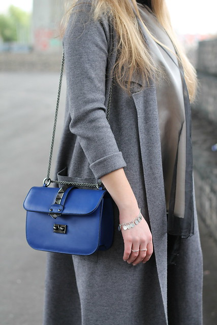 flared-pants-and-grey-coat-details-valentino-bag-wiebkembg