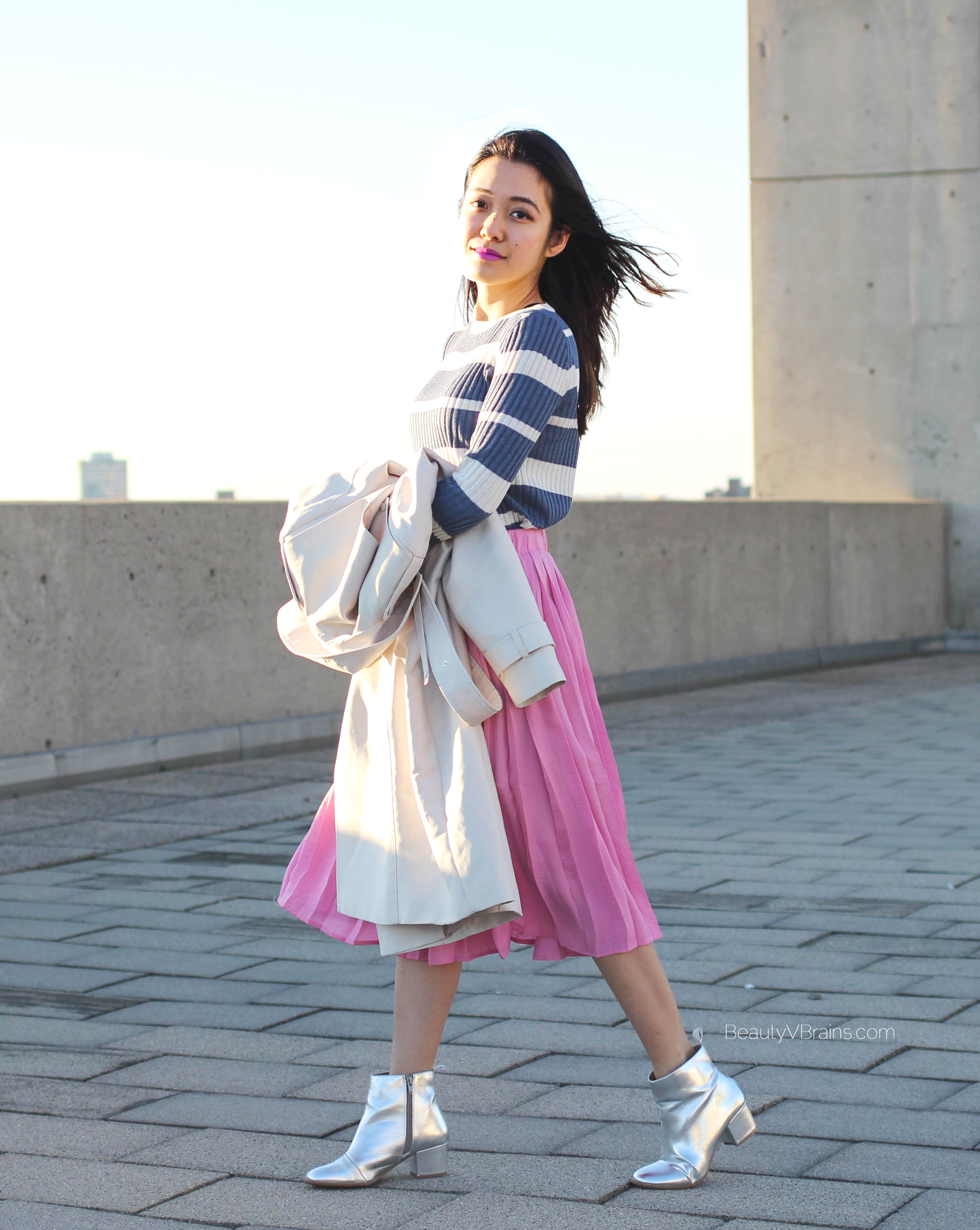 Pink pleated skirt and trench coat - Easy spring outfit inspiration