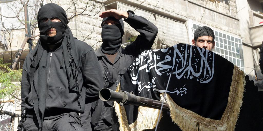 努斯拉陣線(Nusra Front)是反政府武裝勢力中的極端激進派,甚至也被西方列為「恐怖組織」了。(照片來源:Karam al-Masri/AFP/Getty Images)