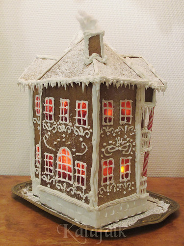 The 2016 gingerbread house - 9