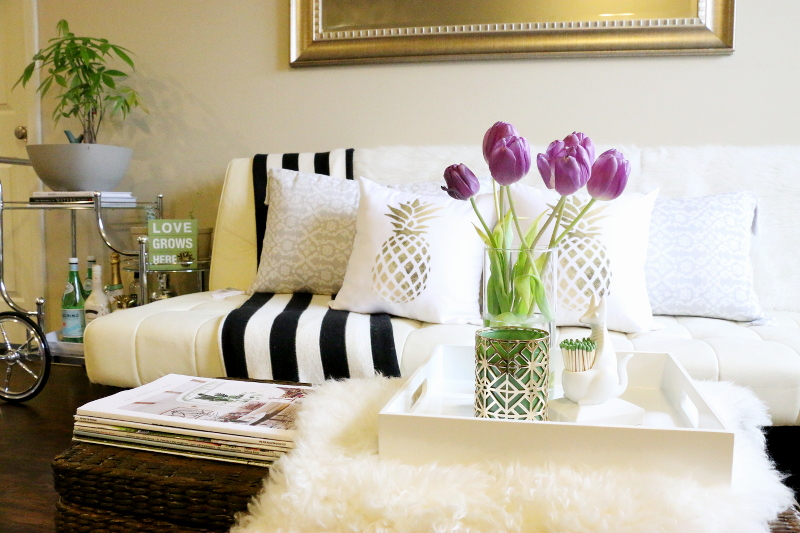 living-room-sofa-tulips-bar-cart-1