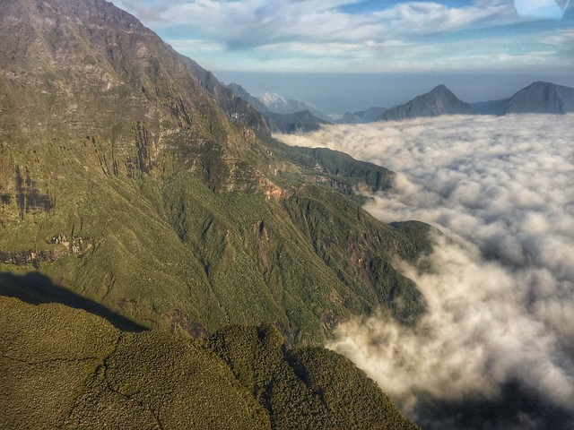 Imagen de Isla Reunión tomada desde un helicóptero