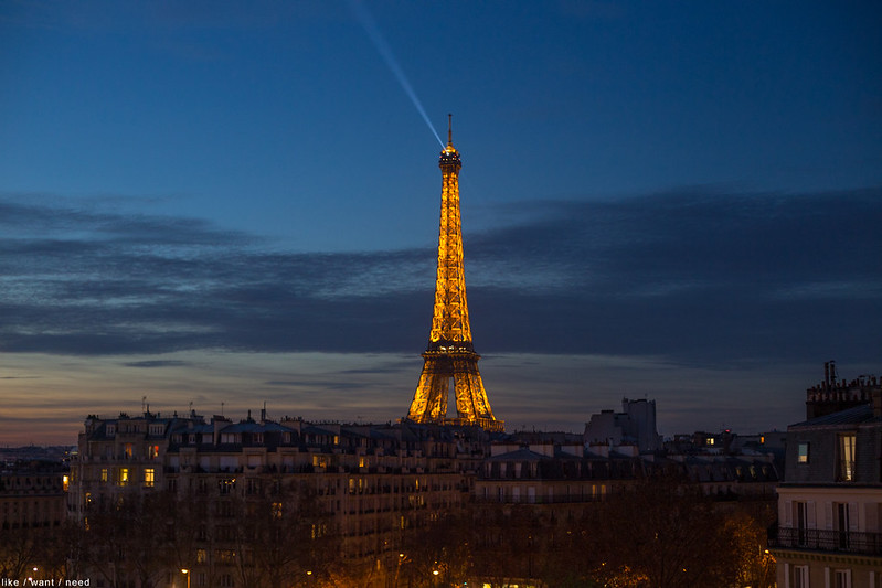 Eiffel, night
