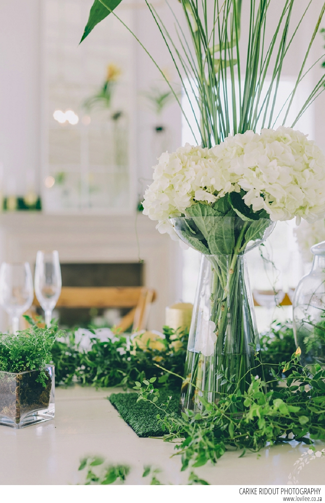 Botanical wedding table decor by Carike Ridout