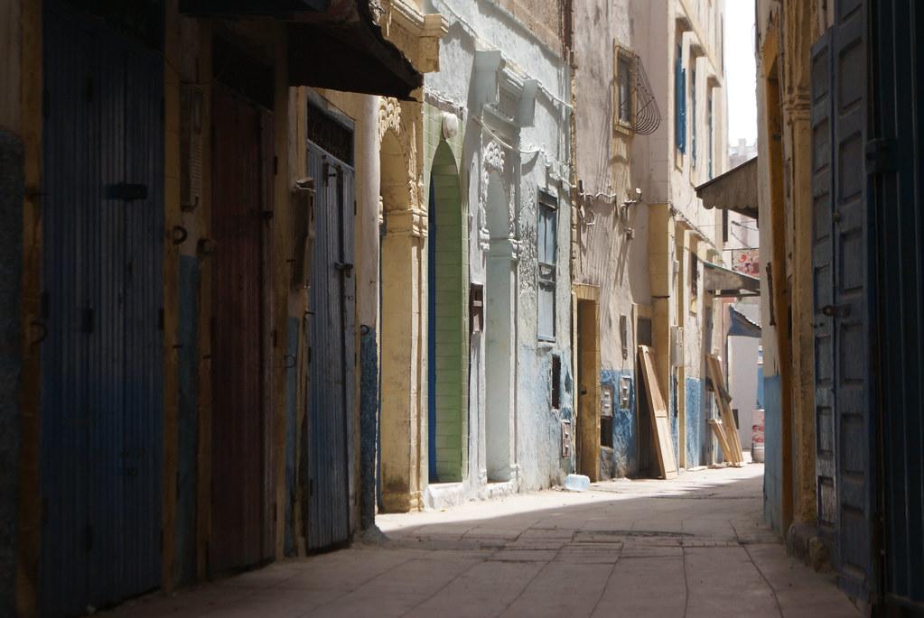 Une des rues de la Médina d'Essaouira au Maroc.
