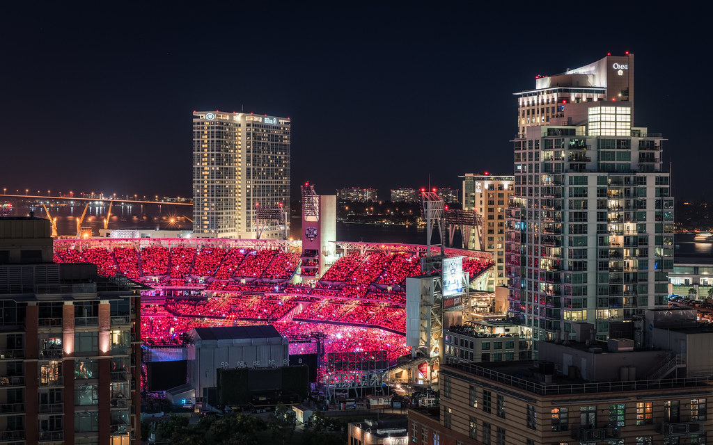 Petco Park in Red | Taylor Swift turned Petco Park red durin ... Taylor Swift