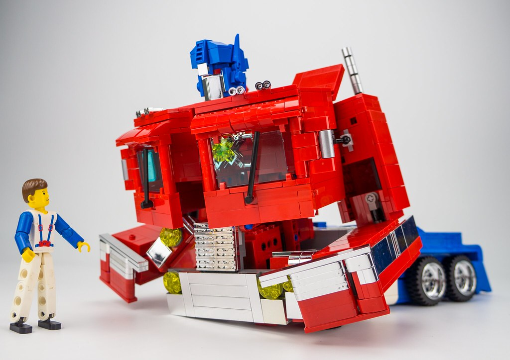 G1 Optimus Prime in LEGO version - Special LEGO Themes ...