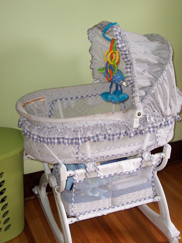 Graco Vibrating Bassinet 30 At Auction Most People