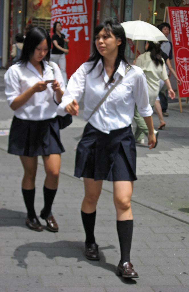 Japanese schoolgirls | laoocean | Flickr