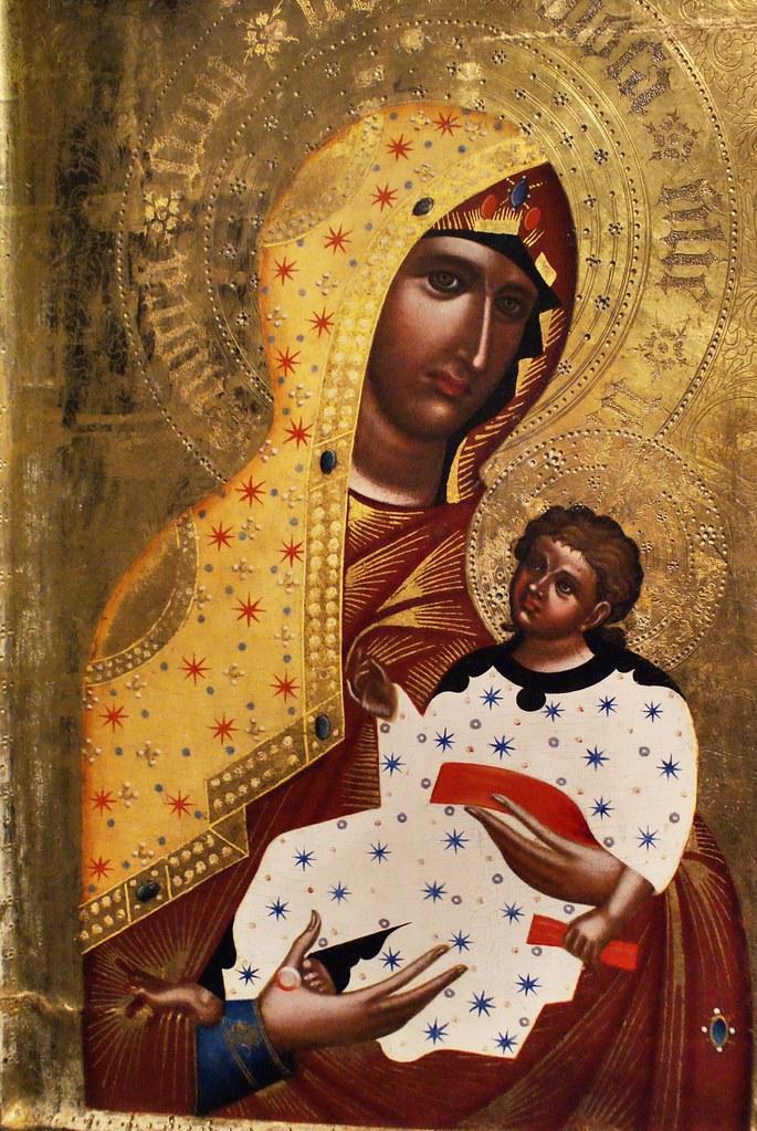 Peintures aux motifs surprenants d'inspiration byzantine.