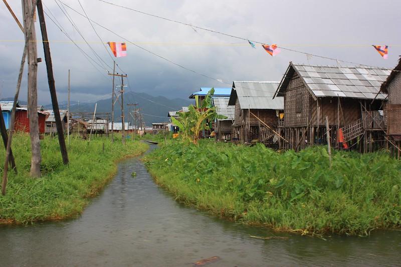 Инты, Инле,Бирма
