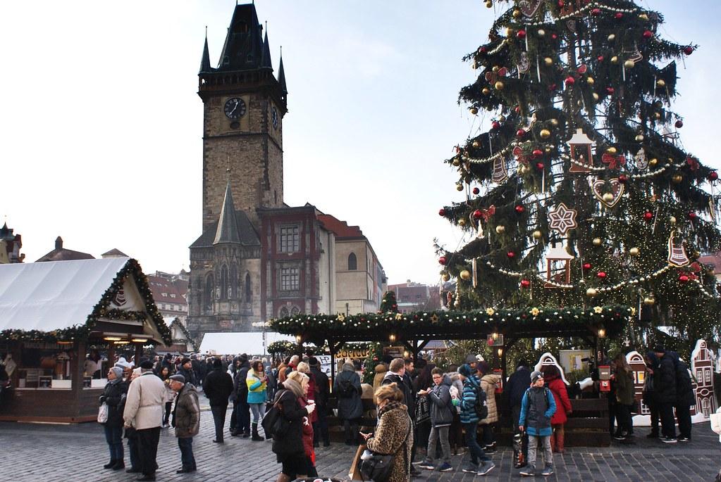 Marché de noël sur la place du marché de la Vieille Ville de Prague.