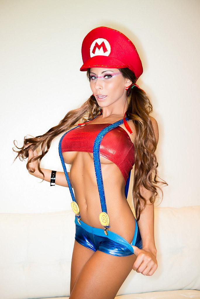 Zeuslicantropo Madison Ivy Mario Bros Cosplay By Zeuslicantropo