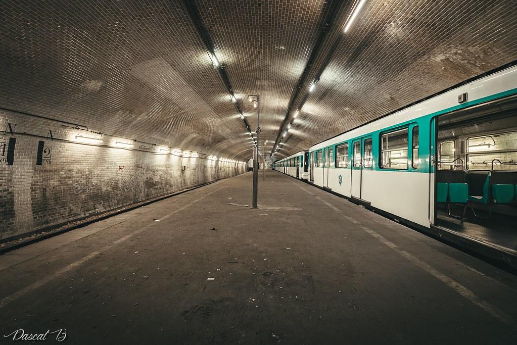 [Station famtôme] Porte Molitor 31791813712_7590e3c9db_b