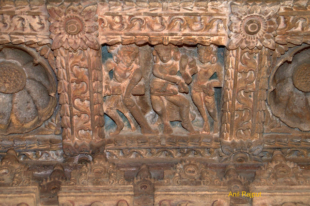 Dancing and playing musical instruments, Osiyan Group of Temple