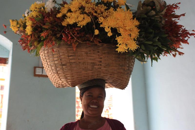 Бирма,жительницы