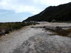 L'ancienne passerelle de l'embouchure du Vignareddu depuis la nouvelle