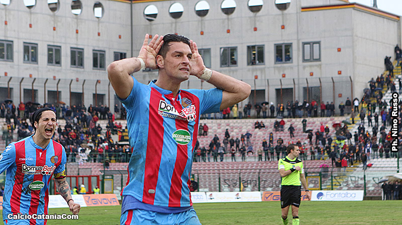 L'esultanza di Demiro Pozzebon dopo il gol segnato a Messina