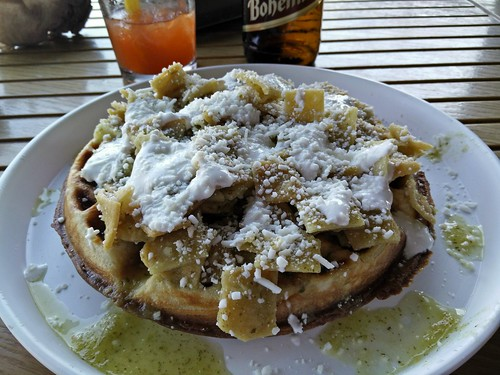 Waffle con Chilaquiles