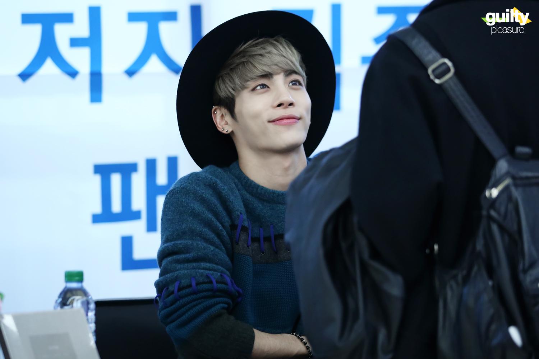 151122 Jonghyun @ 'Skeleton Flower' - Evento Fansign. 22581933173_78da70a53a_o