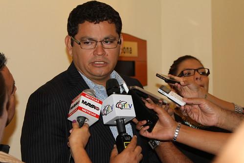 ASJ/TH entregan reconocimiento a Marlon Escoto