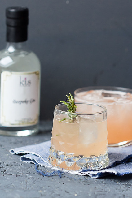 Grapefruit Greyhound Cocktail via lunchforone