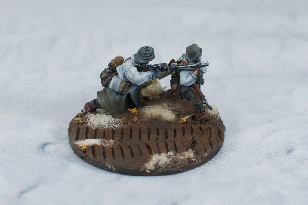 MG-42 team