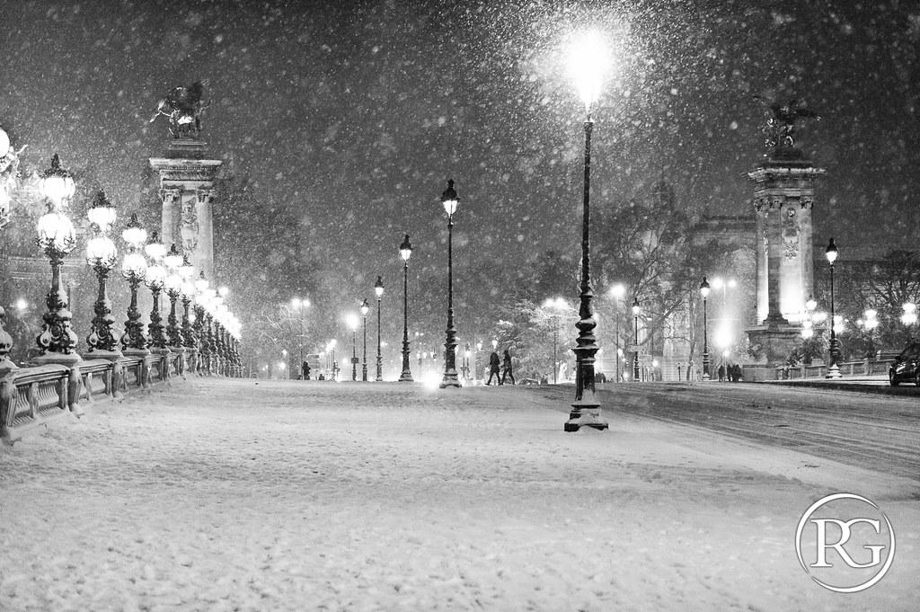 """""""Tempête hivernale sur le pont"""". Pont Alexandre III - Paris."""