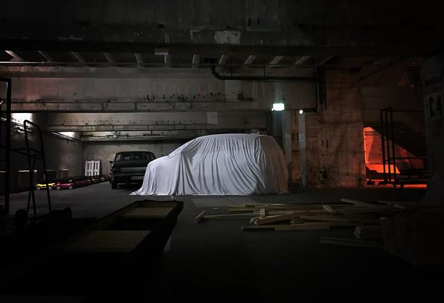 Cooles Auto, coole Premiere: Der neue Opel Crossland X fährt vor