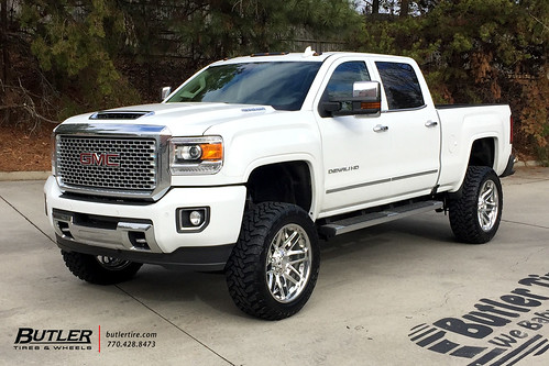 GMC Denali 2500HD with 22in Grid Offroad GF2 Wheels and To ...