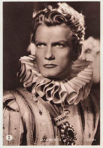 Jean Marais in La belle et la bête (1946)