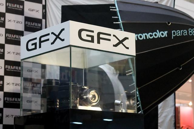 FujifilmGFX-3042