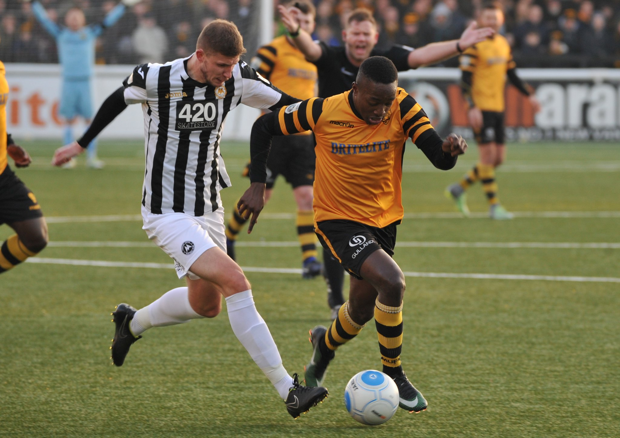 Maidstone United v Torquay United 227