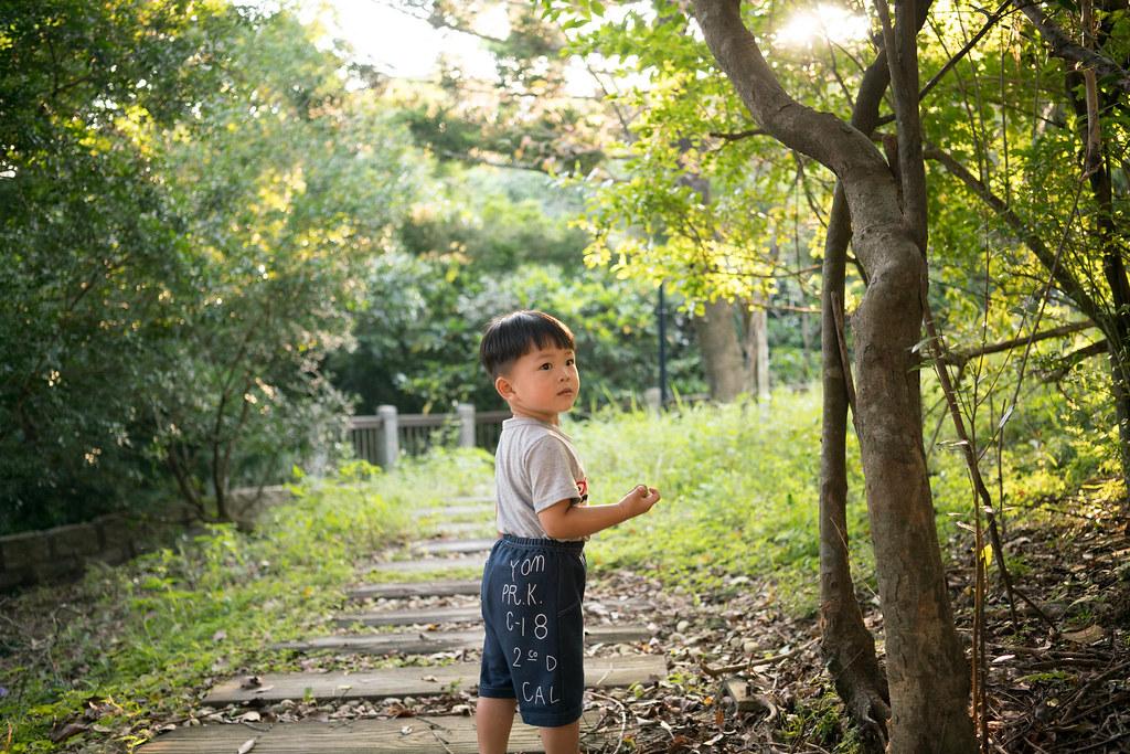 [親子景點]情人湖公園-回眸的胖寶