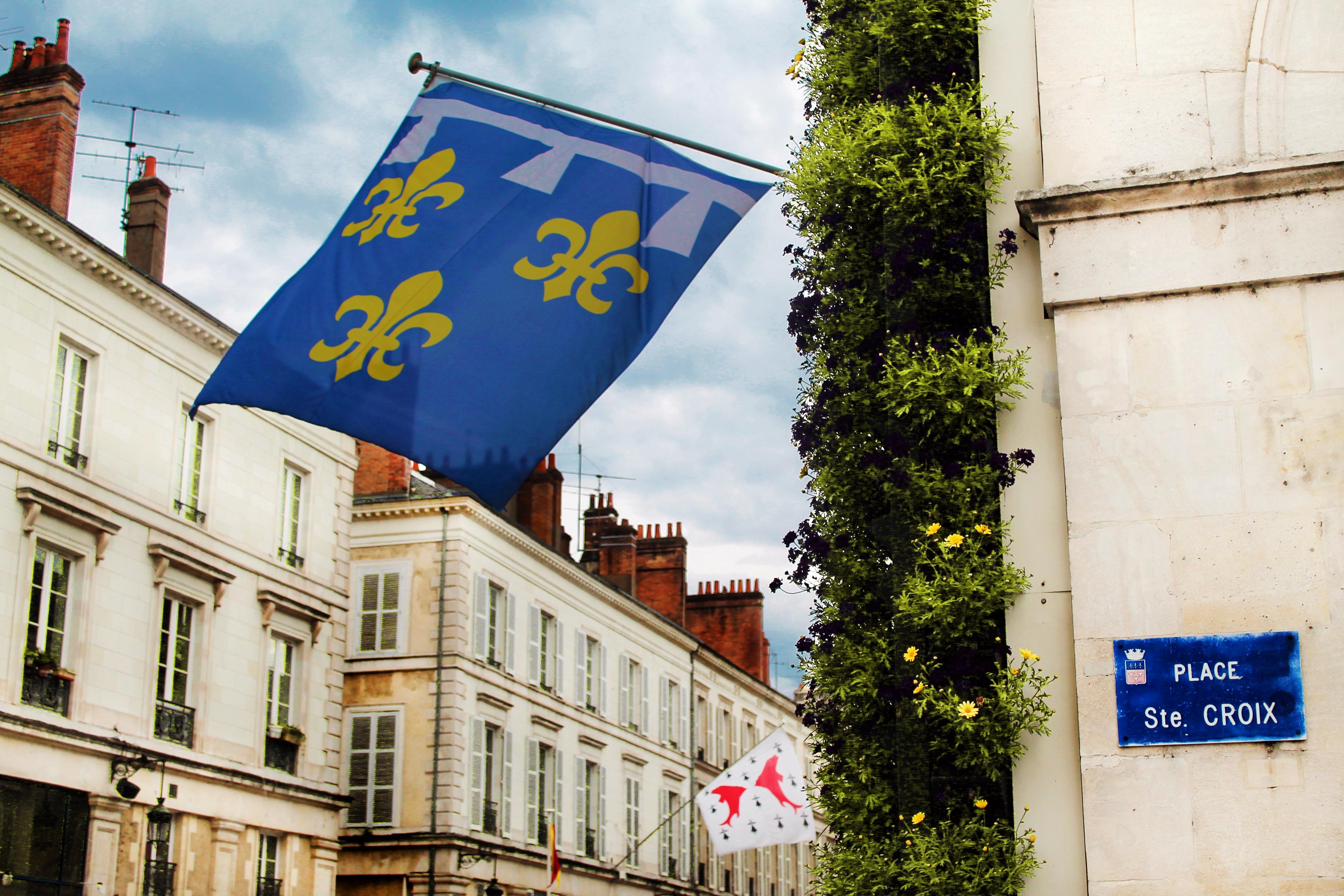 Drawing Dreaming - guia de visita de Orléans, Loire - Place Sainte-Croix