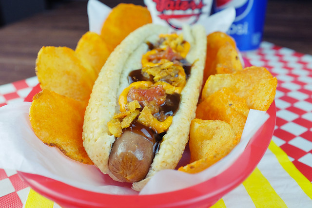01 BBQ crunch dog
