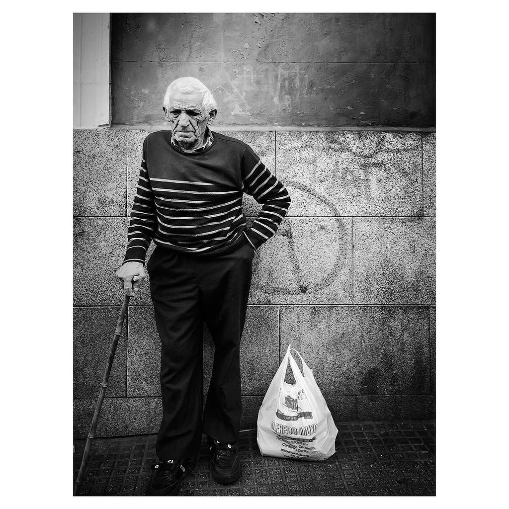 Stylish old man . #ShotOnIPhone6S #Hipstamatic300 (#JohnS#BlacKeySuperGrain) #Snapseed #SKRWT