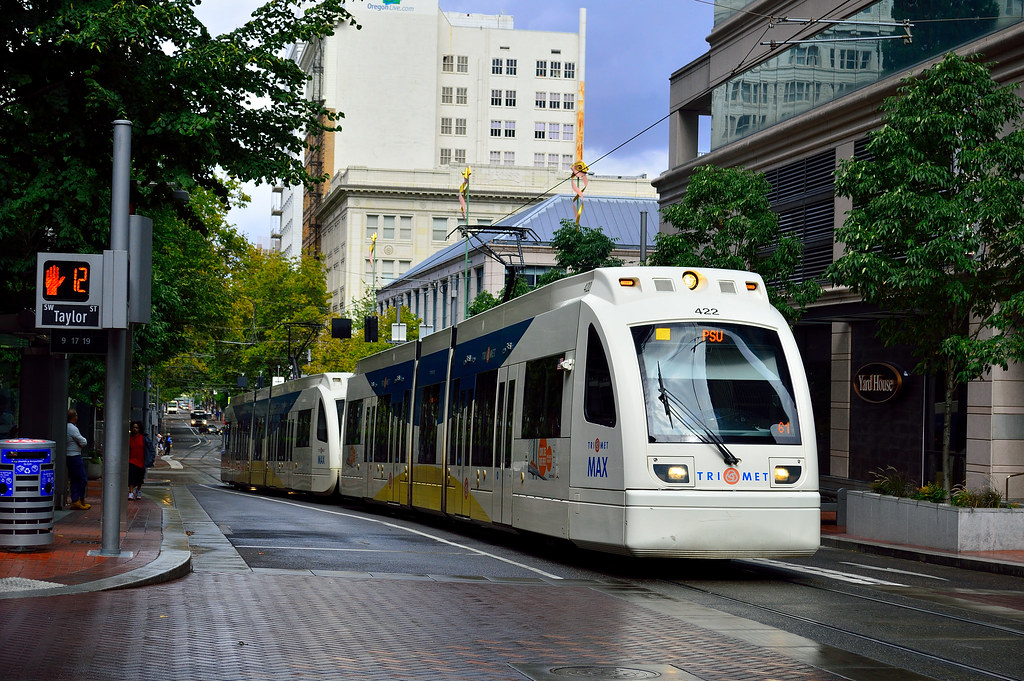 Portland trimet max light rail 2009 siemens s70 type 4 4 - Camera world portland ...