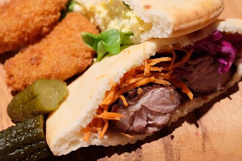 司と高木からもらったタマゴサンドとコロッケで作るコロッケパン 君の名は。カフェ@池袋パルコ 06