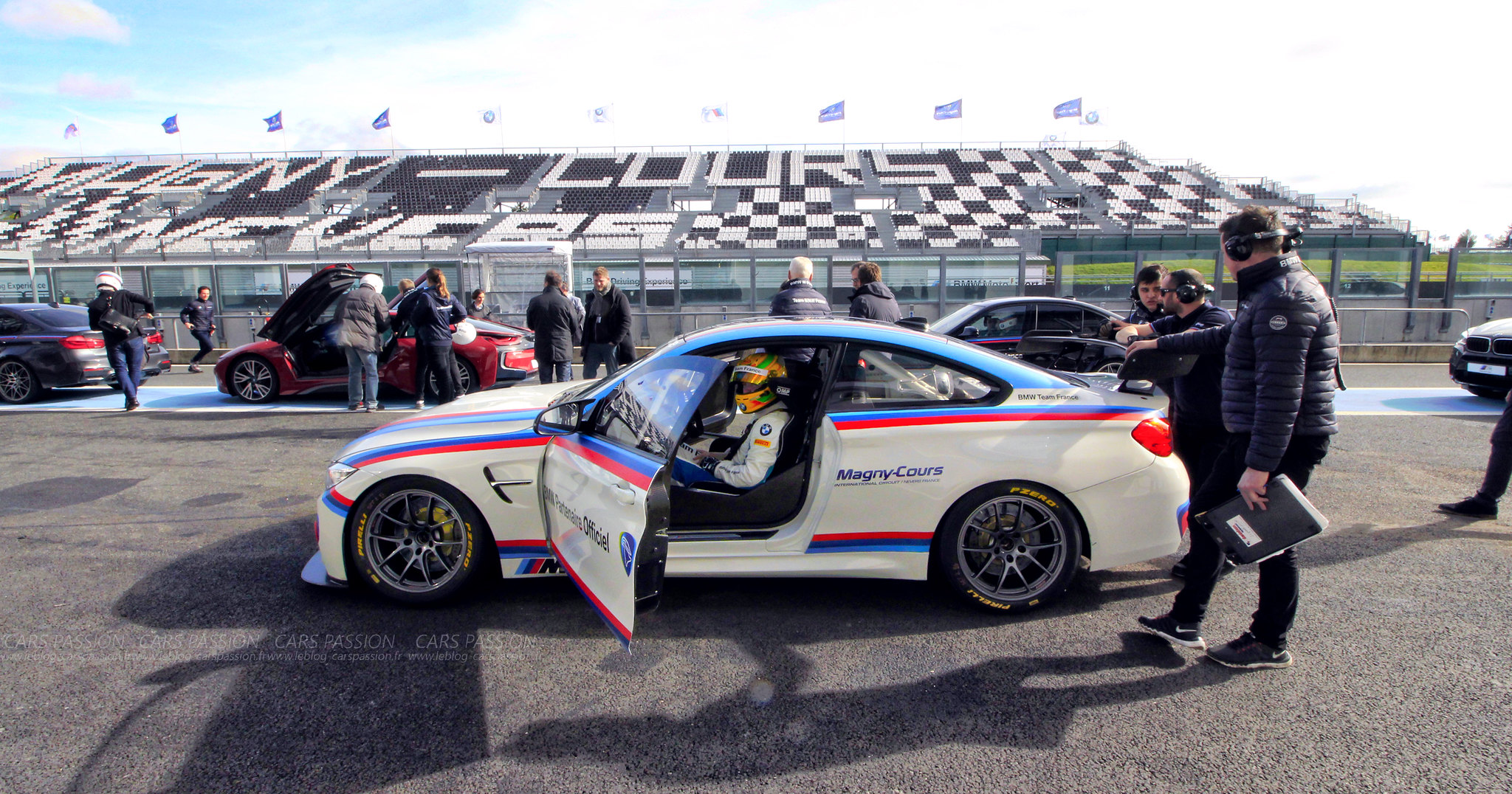 bmw-m2-M4-gts-magny-cours-drift-track (21)