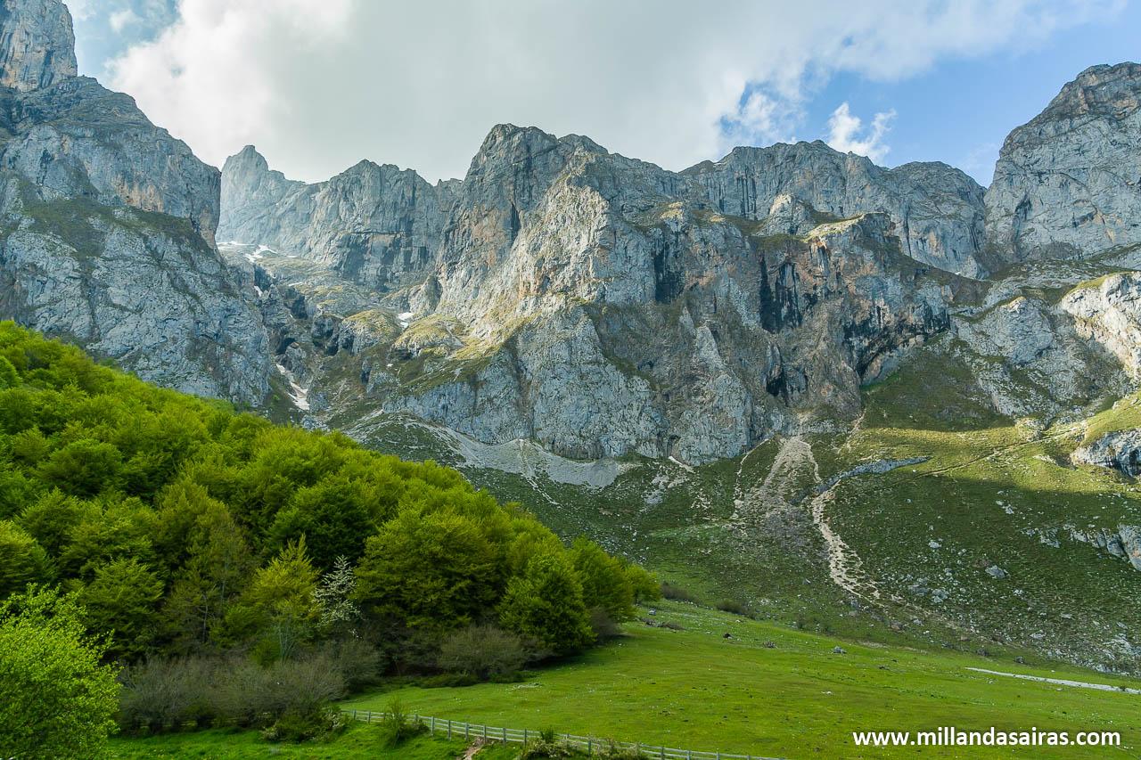 Vista de las montañas desde Fuente Dé