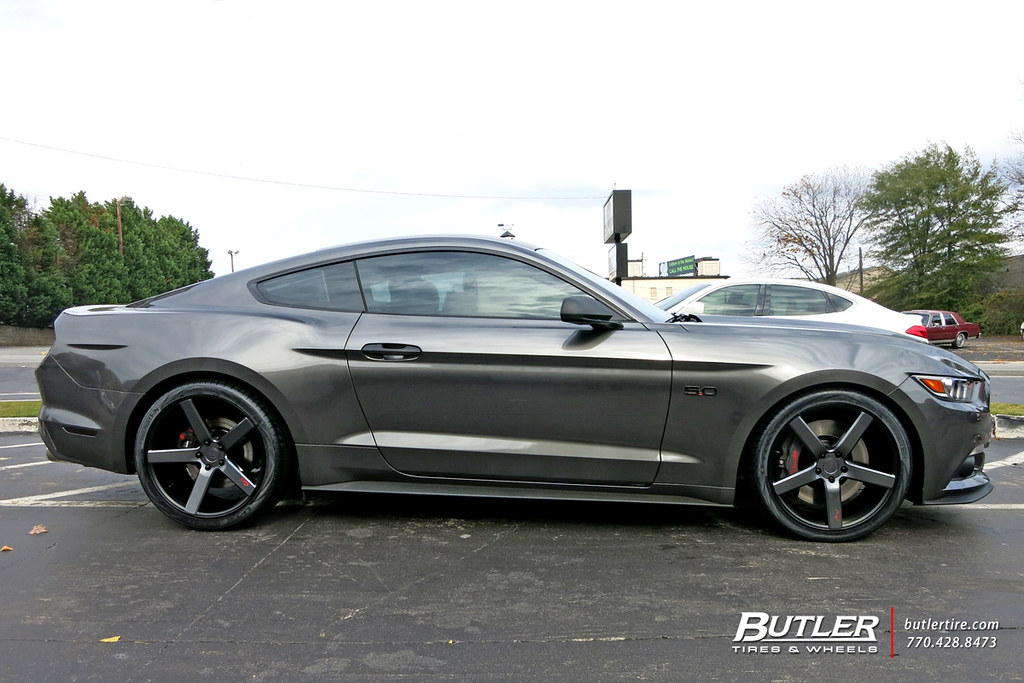 Ford Mustang with 20in Niche Milan Wheels and Vredestein T ...