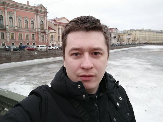Снимок с фронтальной камеры OnePlus 3T