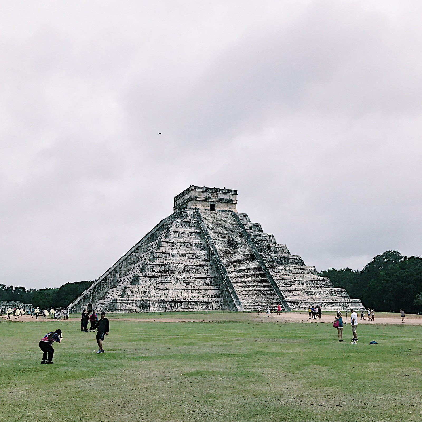 chichenitza-mexico-maya-mayan-seven-wonders-of-the-world-travel-traveldiary-clothestoyouuu-elizabeeetht