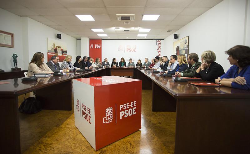 La Comisión Ejecutiva de los Socialistas Vascos se reúne con los consejeros Arriola, San José y Retortillo