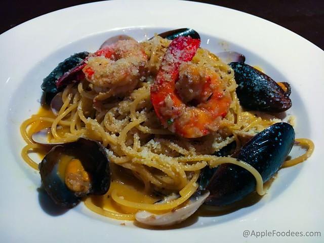 Italiannies Seafood Cioppino