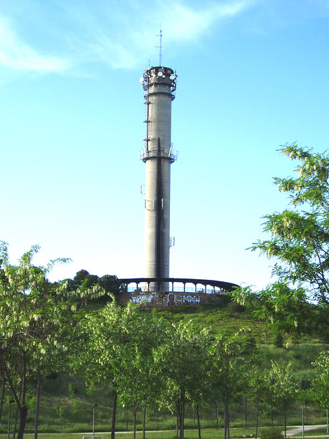 Torre del agua tres cantos enclavada en el parque - Aticos en tres cantos ...