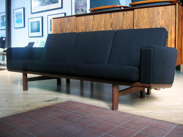 Hans Wegner Sofa Hans Wegner Sofa For Getama Floor Model Flickr